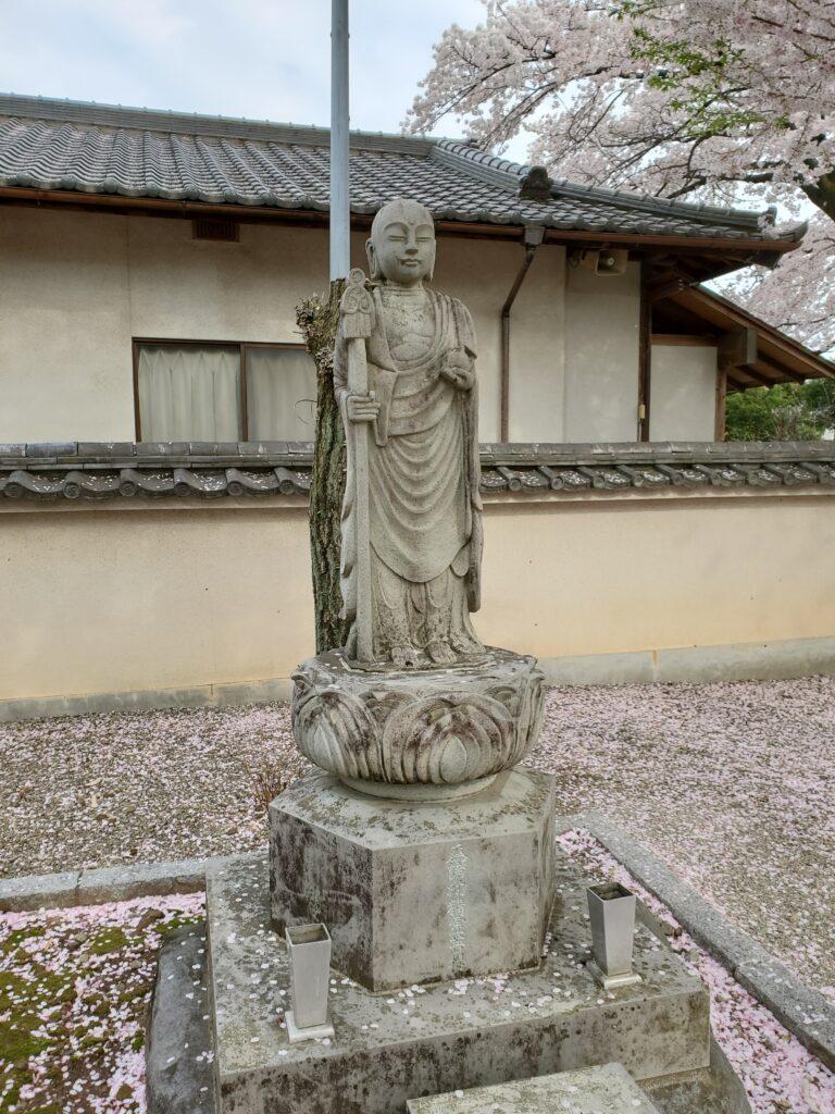妙見寺本堂の地蔵菩薩像