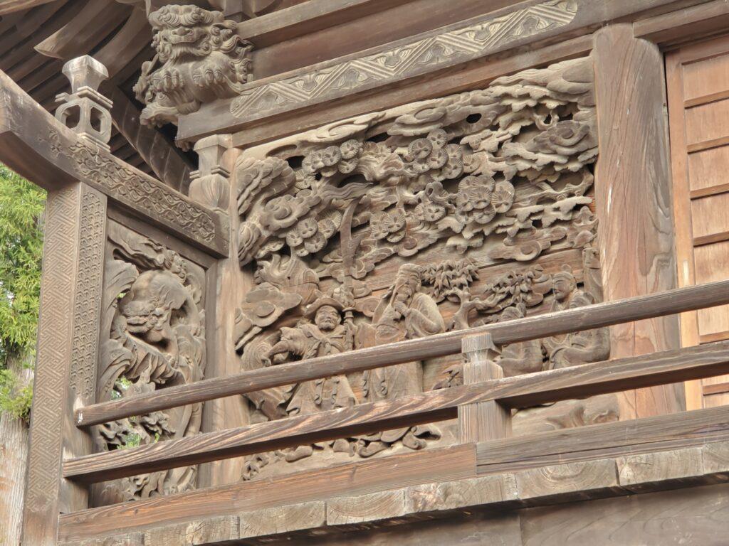 妙見寺本殿、彫刻が見事